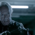 Lance Henriksen är Kaboo casino mannen -The Interrogator / förhörsledaren
